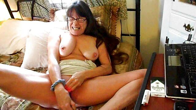 Una morena regordeta le masturba un pene a dragon ball manga hentai español un macho