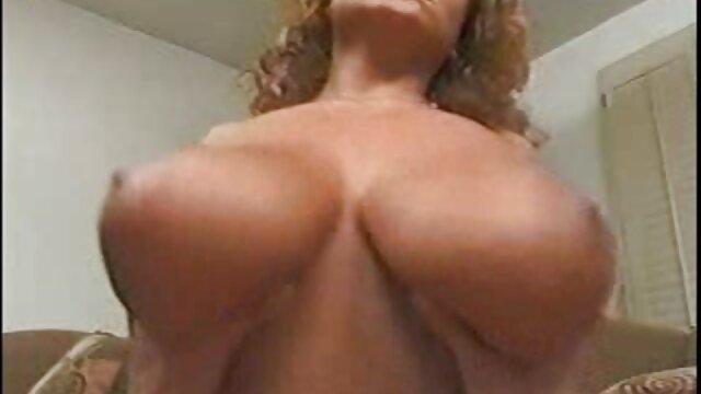Es ver hentai sub en español más conveniente para una perra masturbarse una polla con dos asas